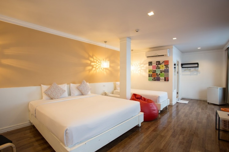 First House Hotel_Modern Deluxe Triple Room